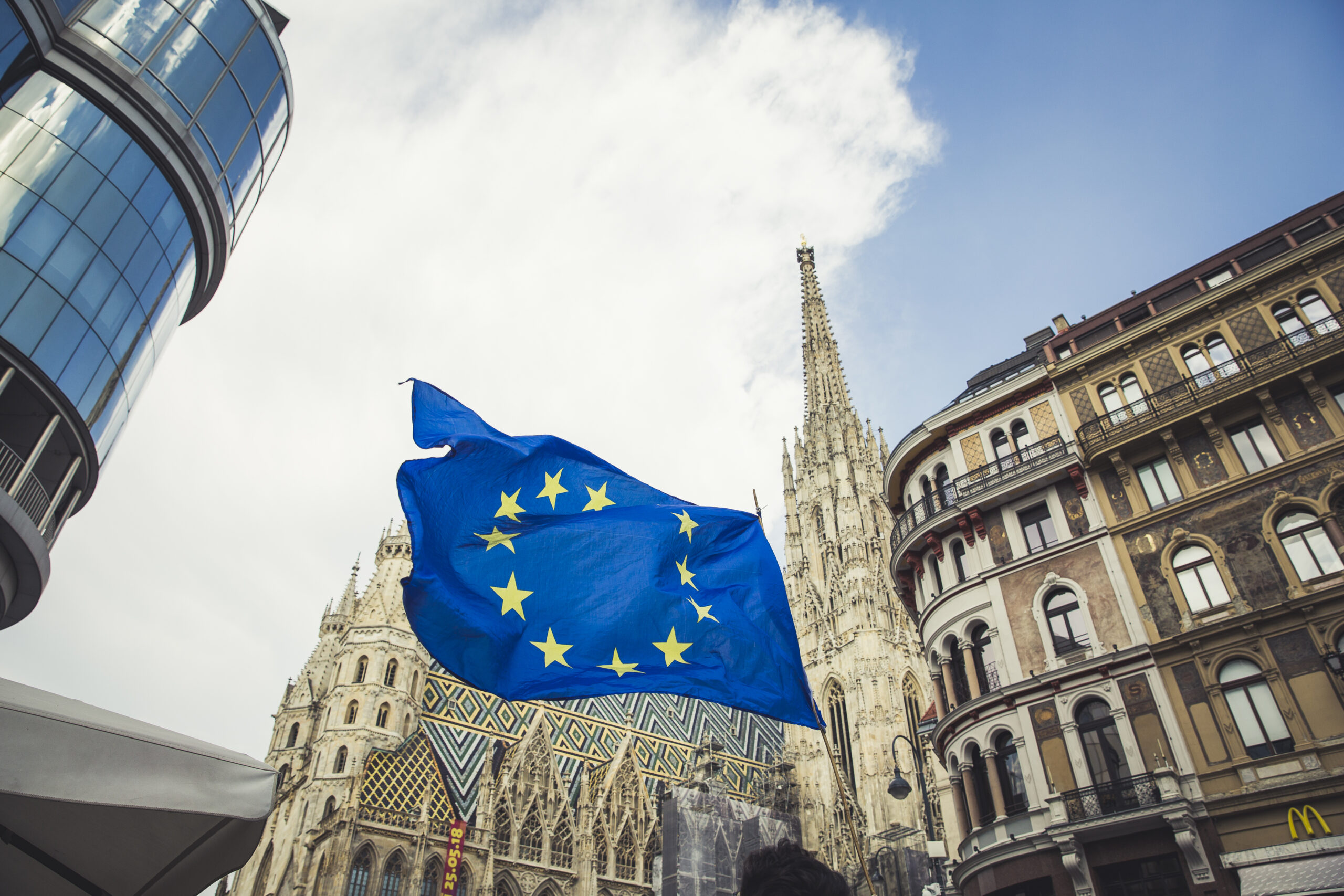 BGF_EU Fahne Stephansdom 2