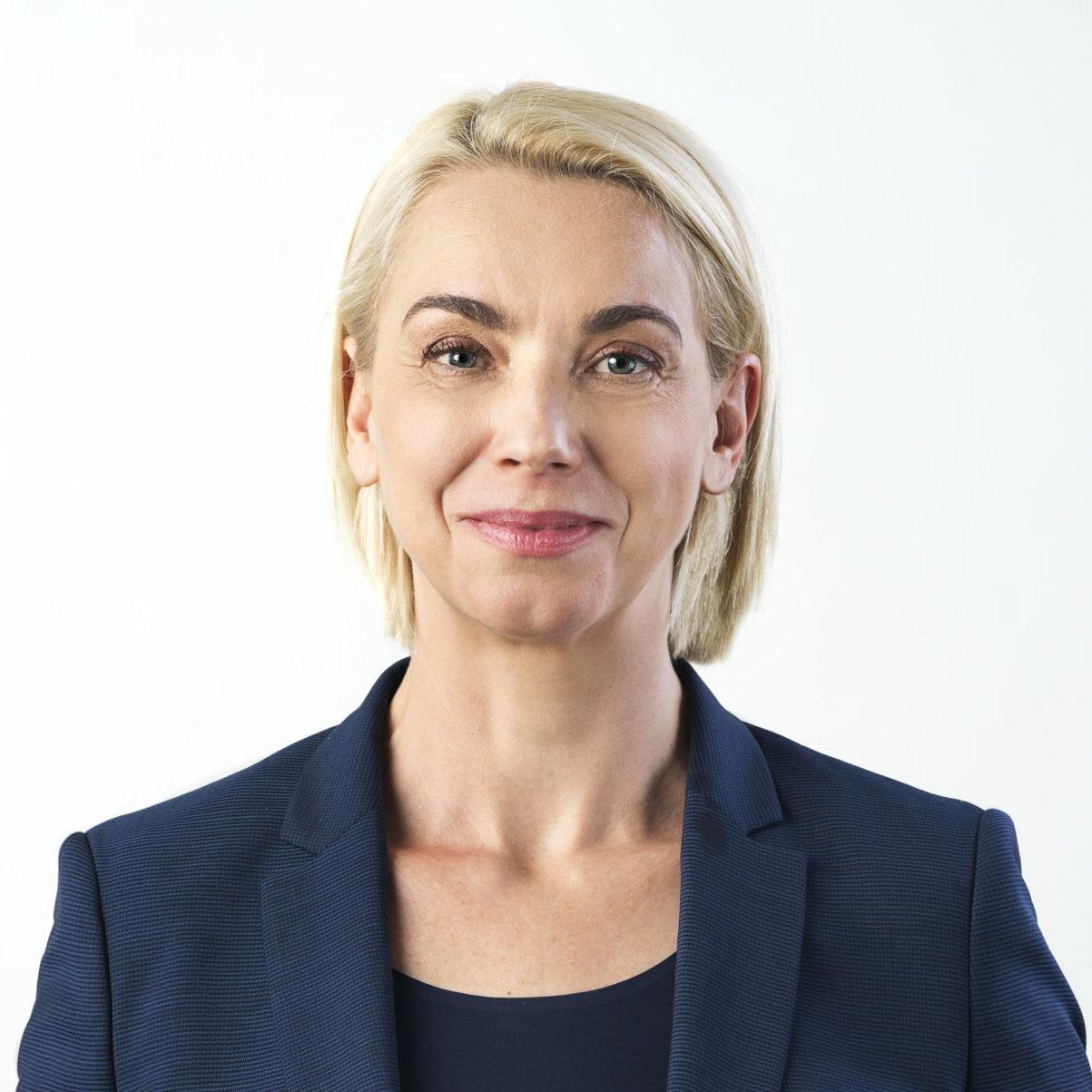 dr. Angelika Mlinar